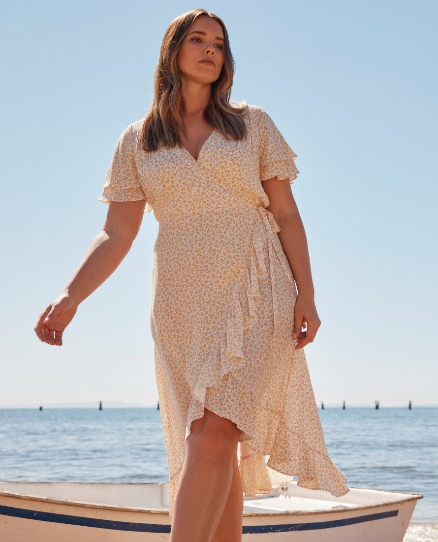 Forever New Plus sized Women's Clothing
