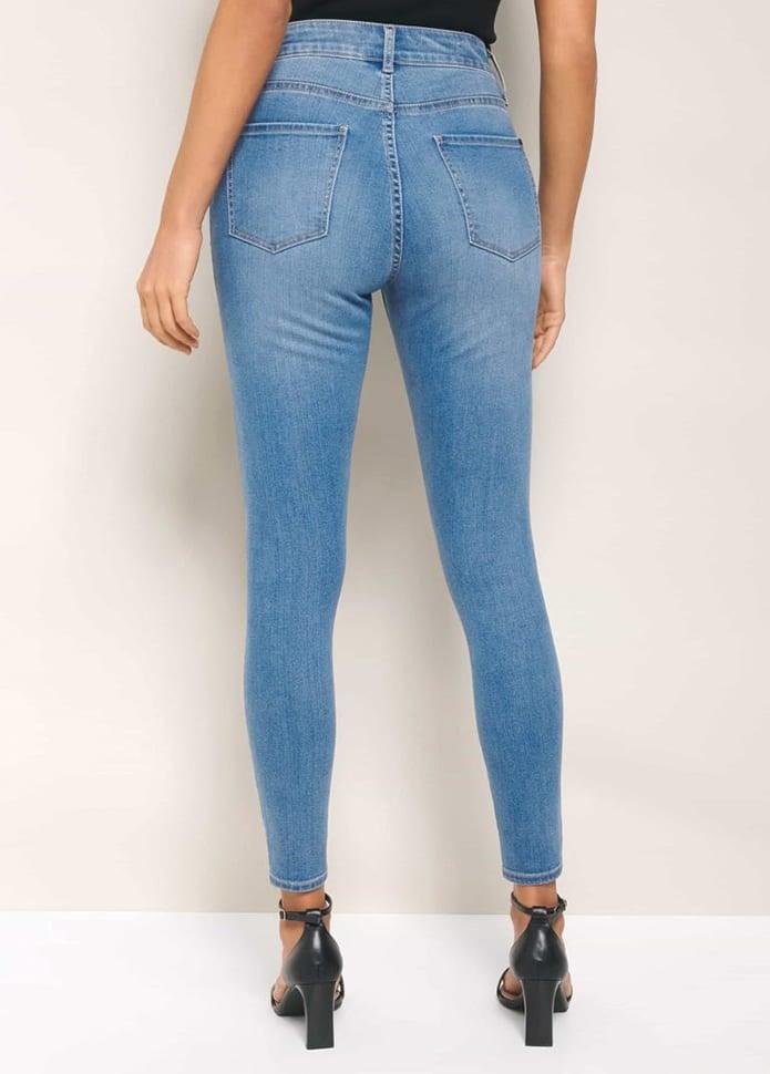 Hailey Mid-rise Curvy Jean
